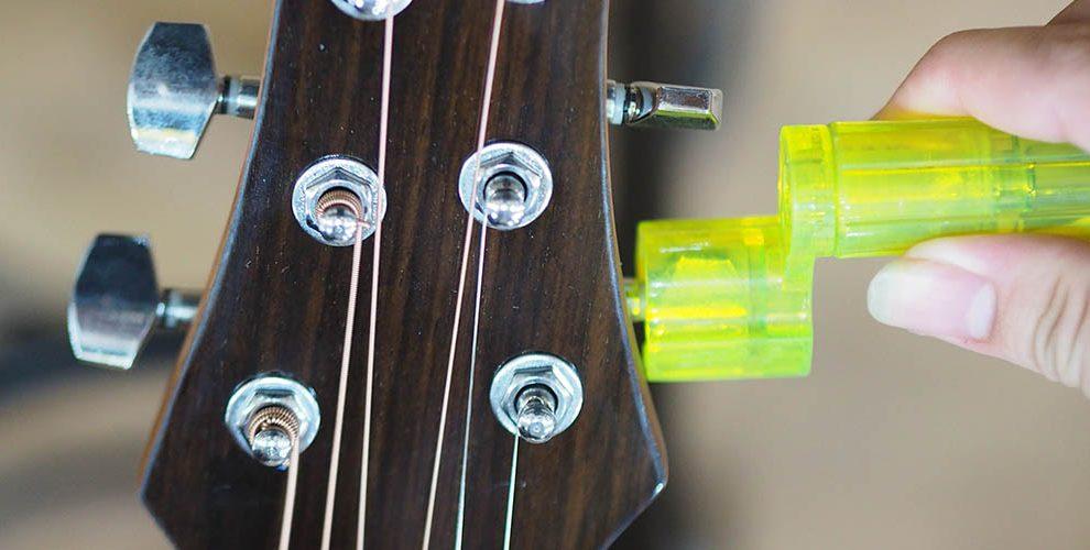 Hướng dẫn cách thay dây đàn guitar chi tiết nhất